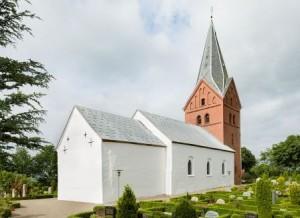 Sindbjerg Kirke set fra nordøst. Foto Arnold Mikkelsen, Nationalmuseet